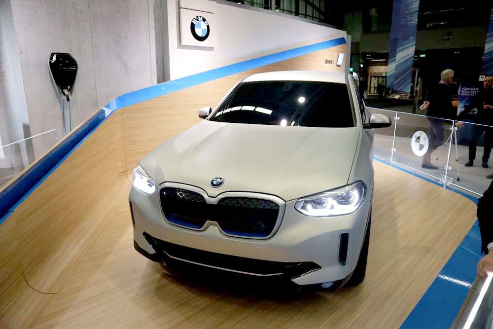 nu kan du förhandsboka elbilen bmw ix3 via swish - kommer