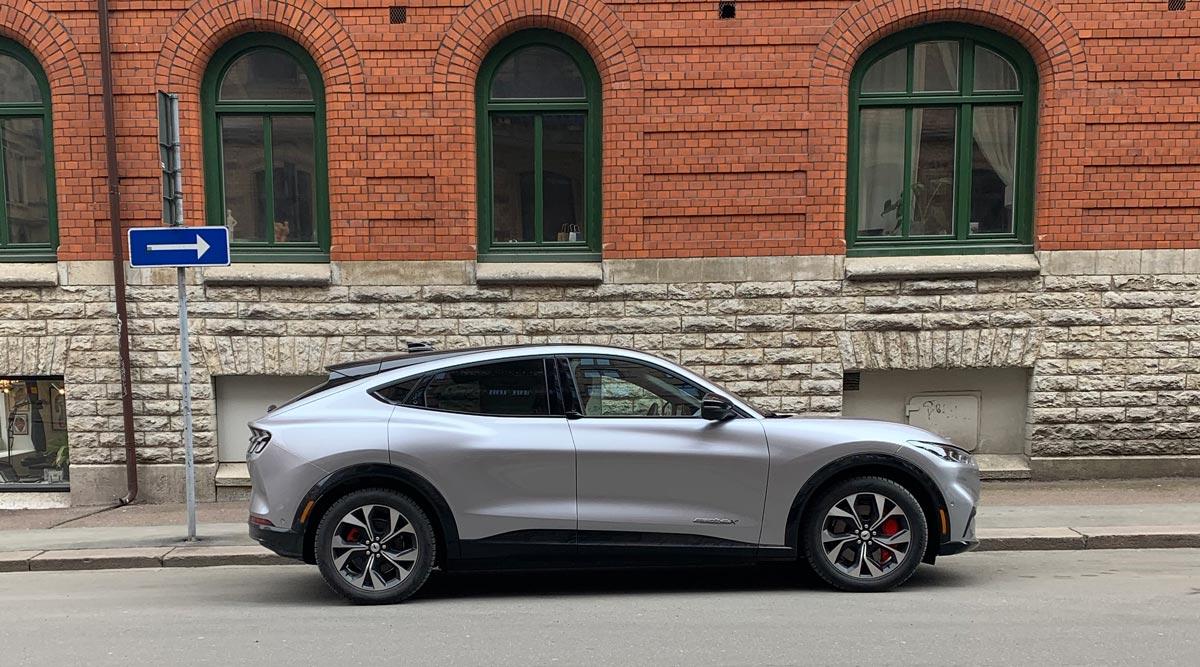 Produktionen av Fords nya el-Mustang går om bensin-Mustang